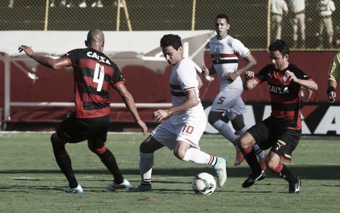 Com retorno de jogadores, São Paulo enfrenta Vitória no Morumbi