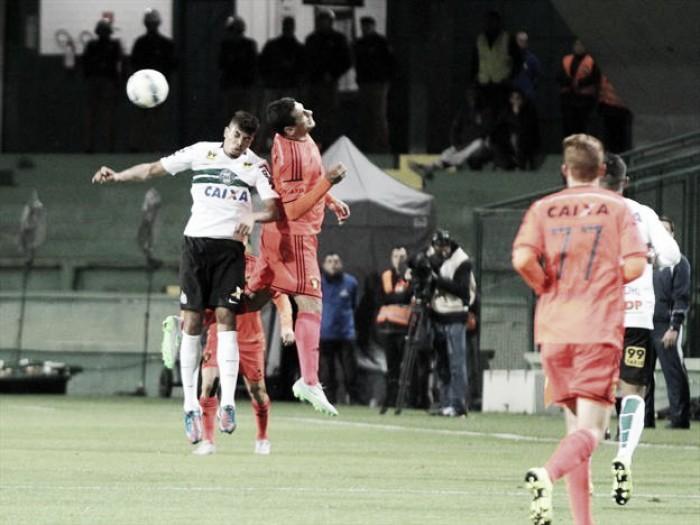Coritiba e Sport buscam vitória para sair da parte de baixo da tabela