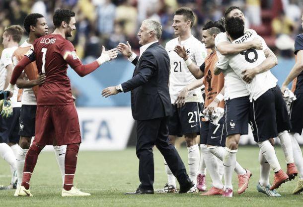 Didier Deschamps comemora classificação para as quartas de final: ''Estou muito feliz e orgulhoso''