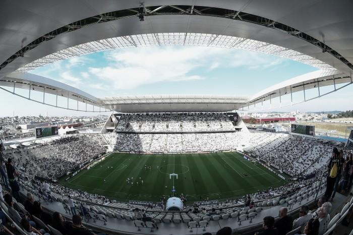 Corinthians faz homenagem a jornalista vítima da tragédia na Colômbia