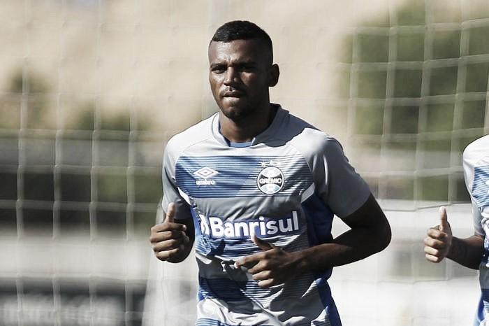 Leonardo ganhou vaga de Arthur na lista do Grêmio para Mundial de Clubes
