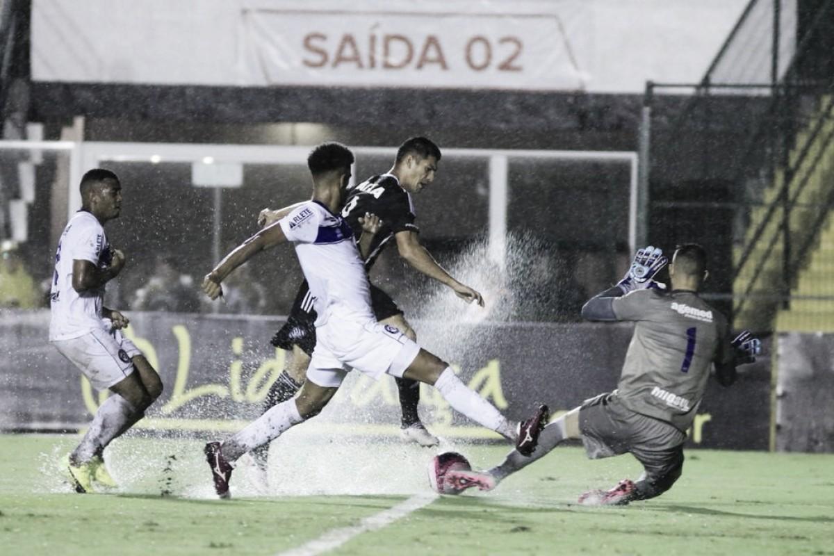 Figueirense empata com Tubarão em jogo marcado pela chuva e mantém liderança do Catarinense
