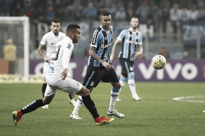 Grêmio recebe Santos em confronto direto pela vice-liderança do Brasileirão