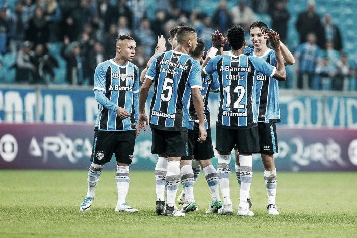 Com foco na final da Libertadores, Renato poupa 14 nomes para duelo contra o Santos