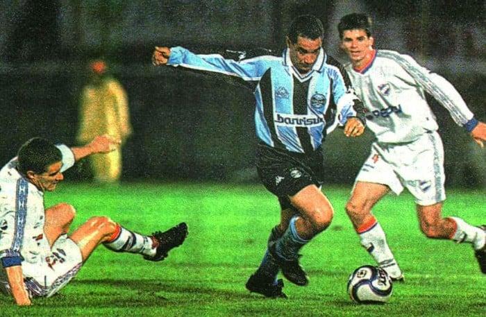Olimpia passou pelo Grêmio nos pênaltis pela semifinal de 2002 em triste noite ao estádio Olímpico