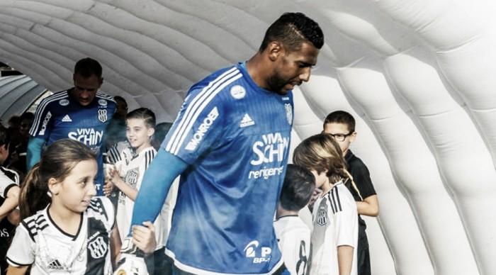 Situação mal resolvida do Grêmio com Aranha e a sequência da incitação ao ódio