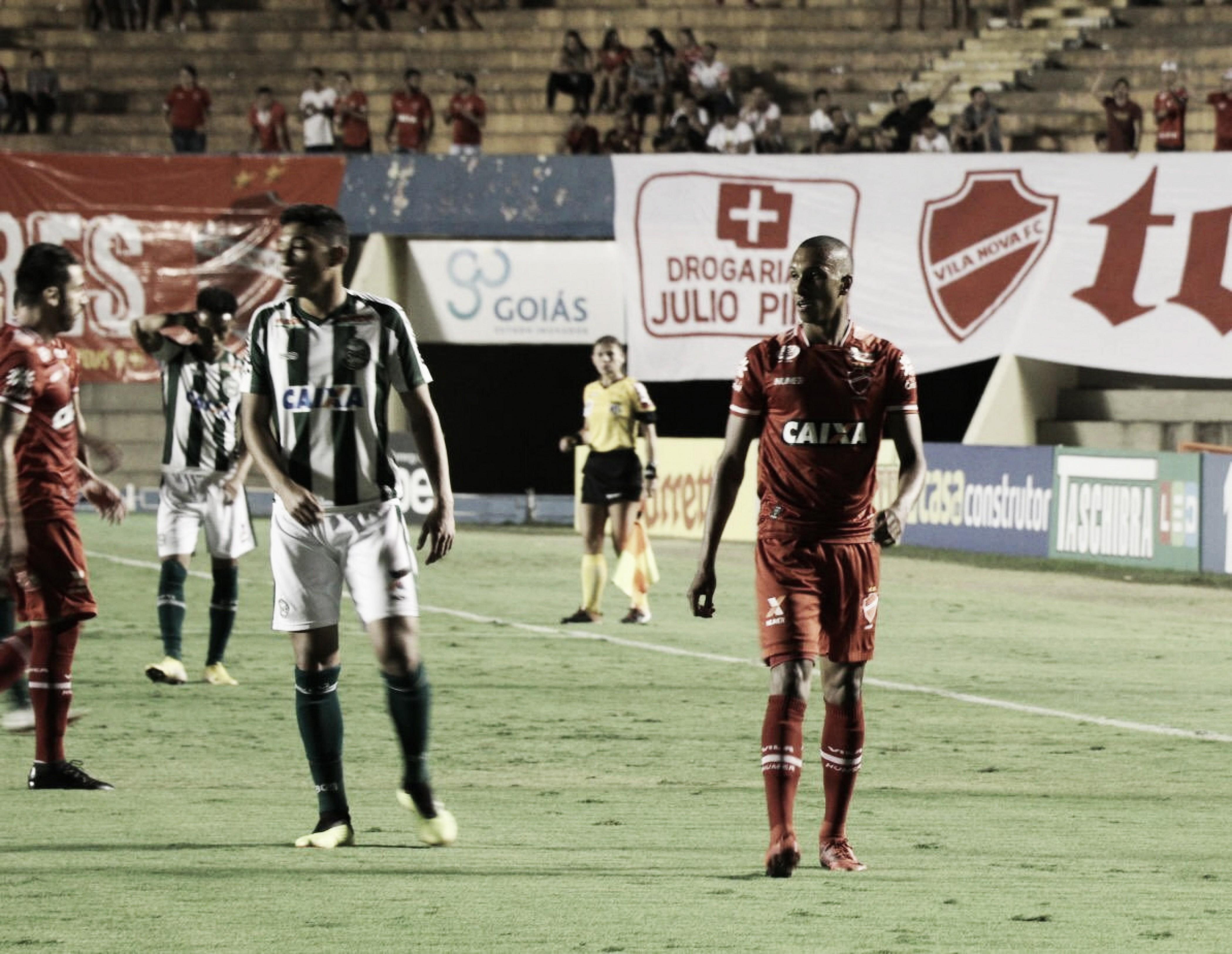 Vila Nova vence Coritiba em casa e se reaproxima do G-4 da Série B do Brasileirão