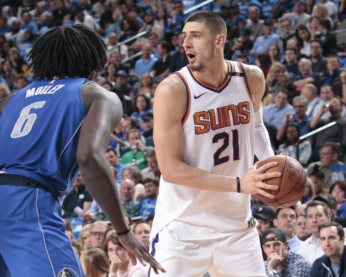 NBA - Indiana sconfitta dagli Hornets, Phoenix demolisce i Mavericks