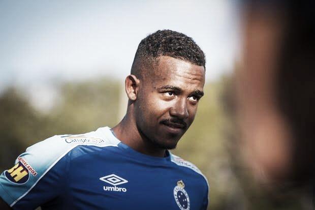 Athletico-PR acerta detalhes com Cruzeiro e deve anunciar zagueiro Edu