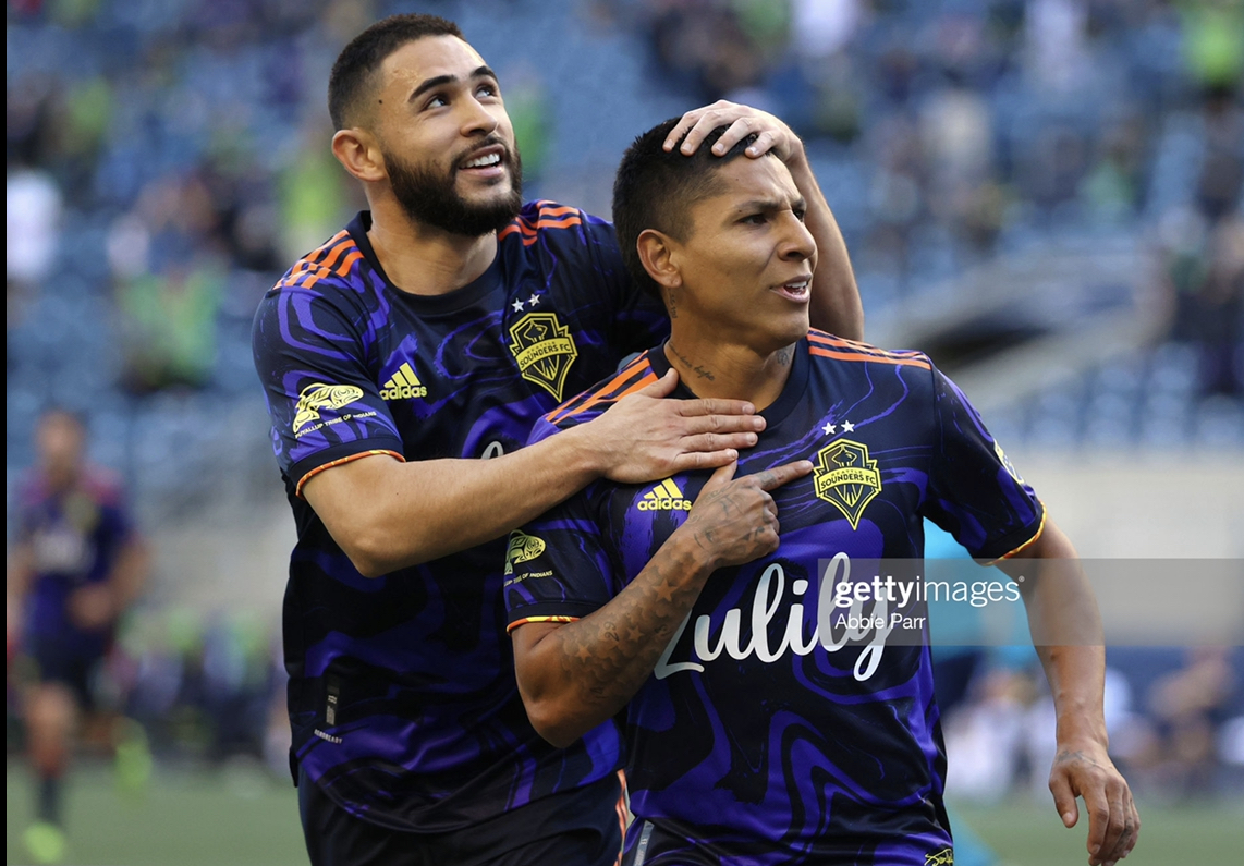 Seattle Sounders 3-0 LA Galaxy: Ruidiaz brace helps Rave Green to victory