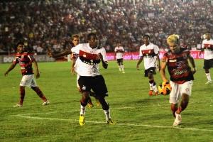 Flamengo vence de virada o Campinense, mas não evita jogo de volta