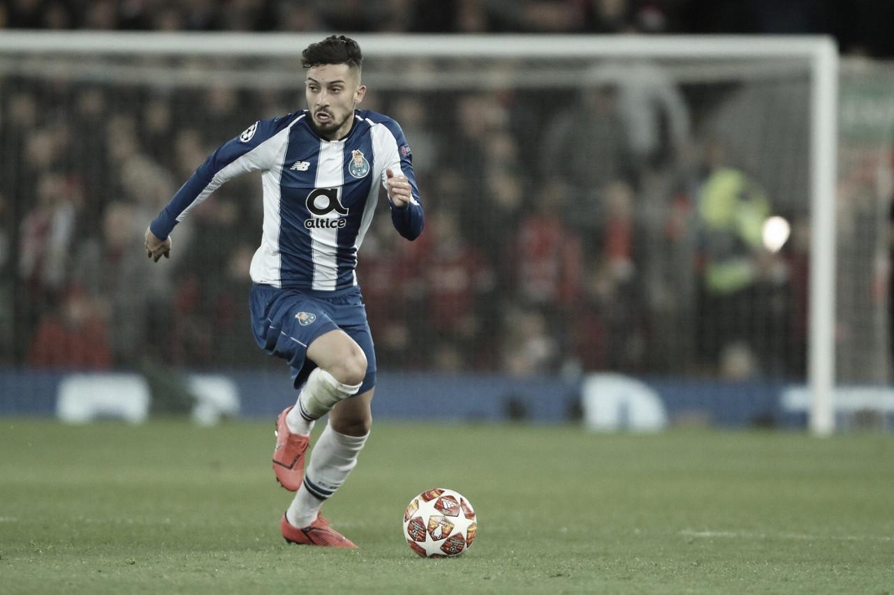 """Alex Telles lembra classificação do Porto sobre a Roma e garante: """"Estamos vivos"""""""