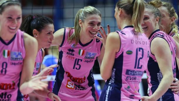 Volley A1 Femminile, Piacenza cade a Modena ma non perde la vetta