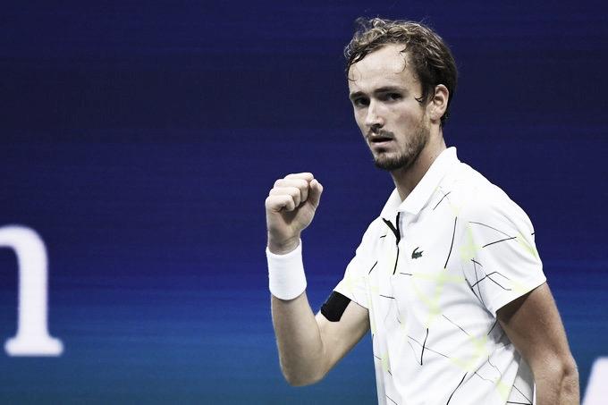 Preciso nos momentos decisivos, Medvedev bate Dimitrov em sets diretos e avança à final do US Open