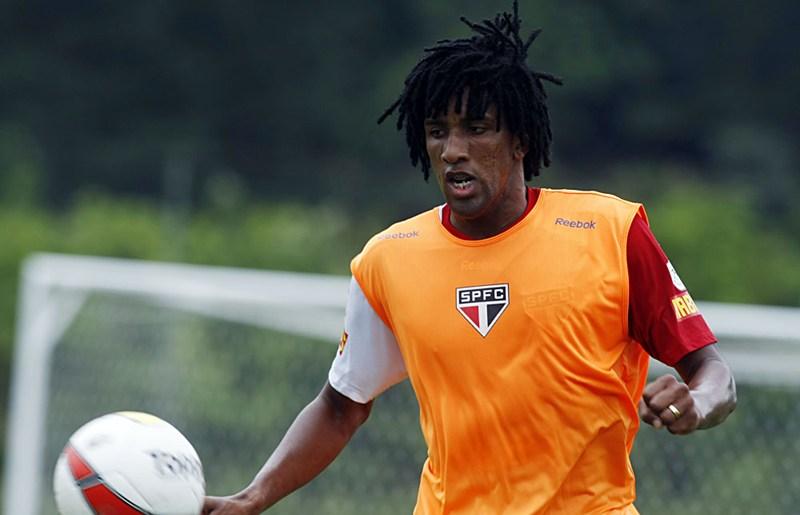 Com propostas em mãos, Cortês pode voltar ao futebol carioca