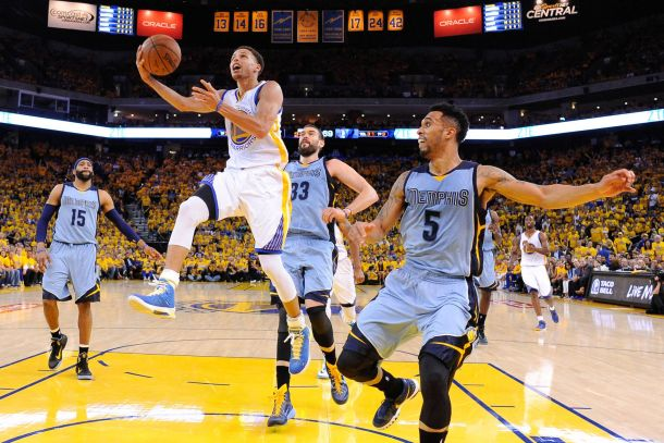 Notte NBA: Curry incontra i Grizzlies, Houston ospita i Thunder