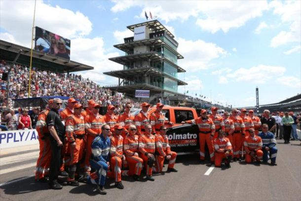 IndyCar: Hinchcliffe Thanks Holmatro Safety Team