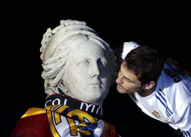 Iker Casillas, une icône contestée, attaquée..