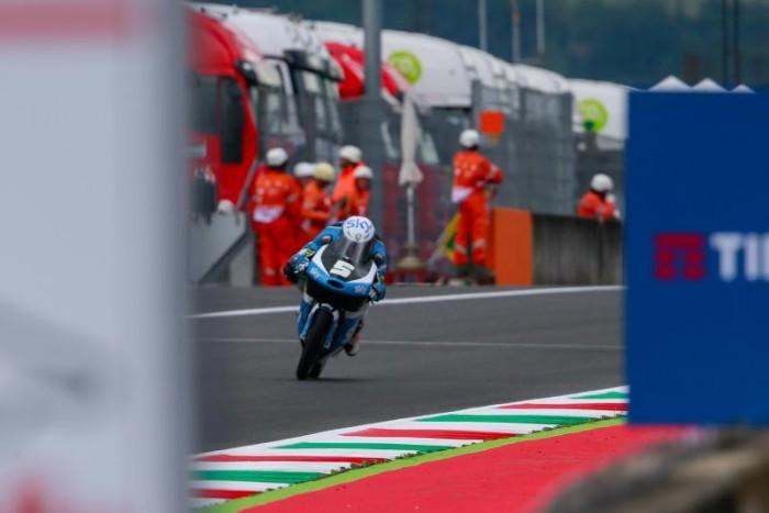 Moto3, Fenati in pole al Mugello. Pawi in prima fila