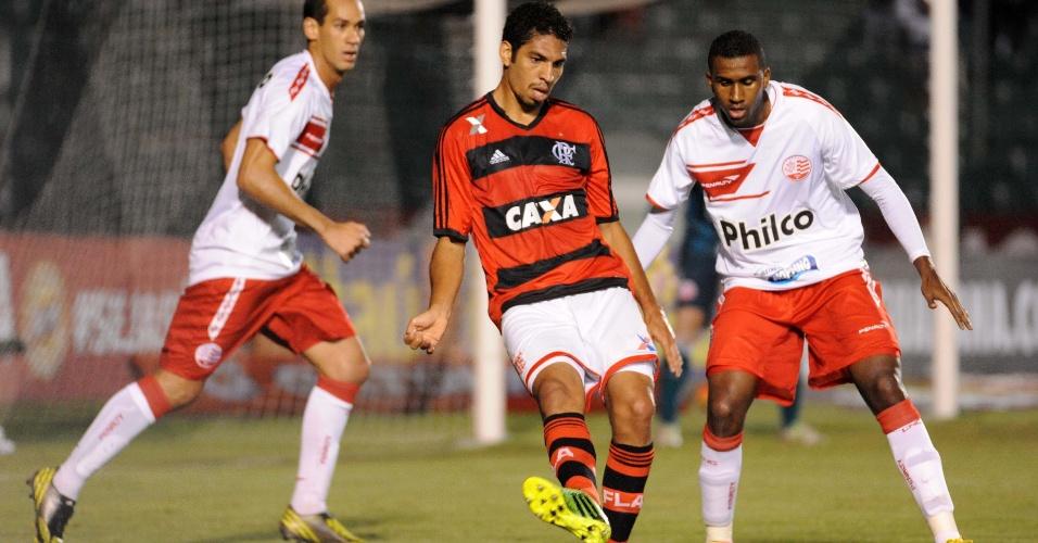 Flamengo perde para o Náutico e fica na vice-lanterna do Brasileiro