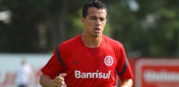 Damião tem lesão confirmada e é desfalque contra o Santa Cruz