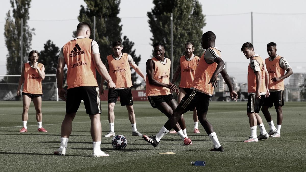 Nuevo entrenamiento del Real Madrid con la UEFA Champions League en la retina