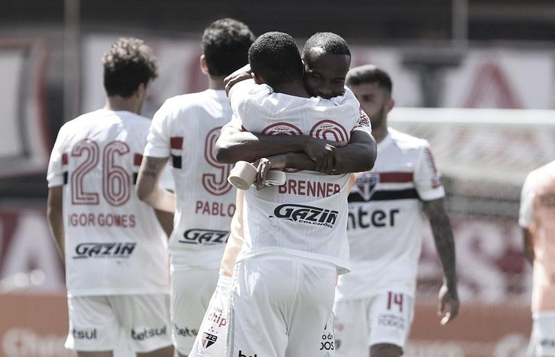 São Paulo domina Majestoso e leva a melhor sobre Corinthians no Morumbi