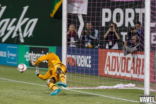 2015 MLS Cup Playoffs: Portland Timbers Outlast Sporting KC In Goalkeeper Penalties, Advance
