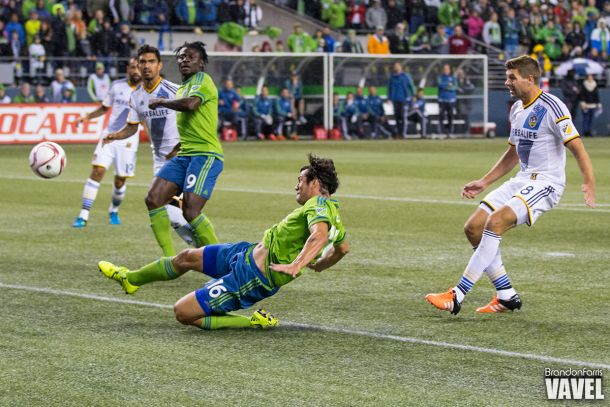 2015 MLS Cup Playoffs: Seattle Sounders Survive Classic, Defeat LA Galaxy 3-2