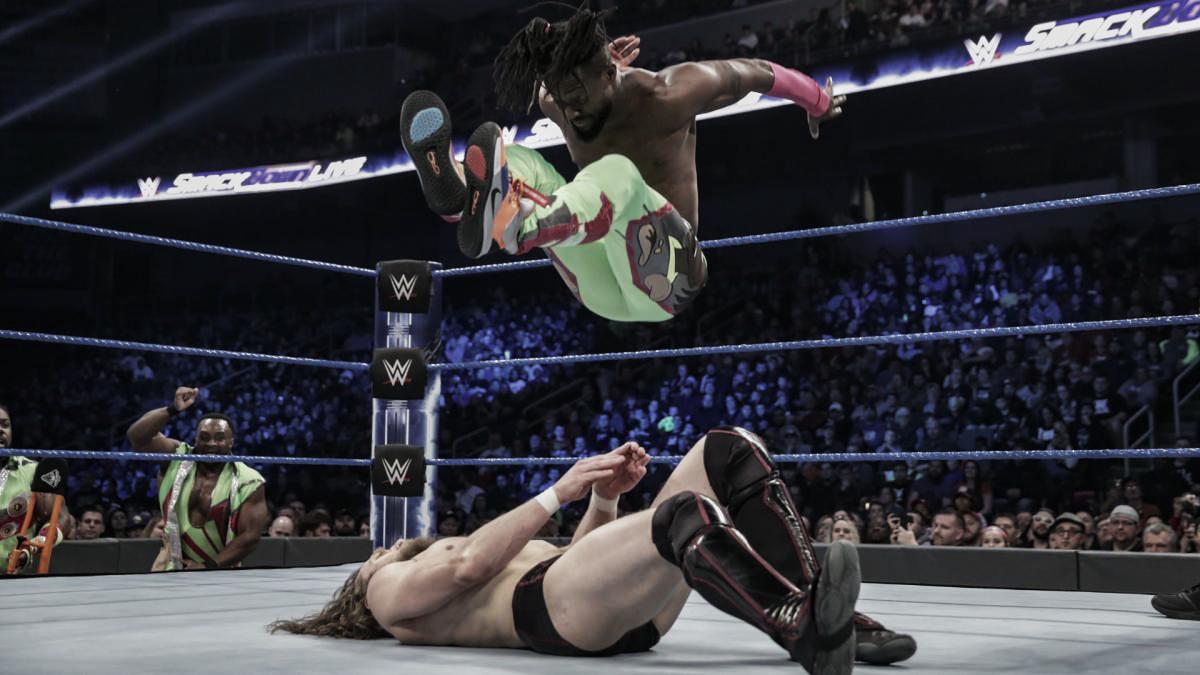 """Kofi Kingston 'vuela' hacia """"Elimination Chamber"""""""