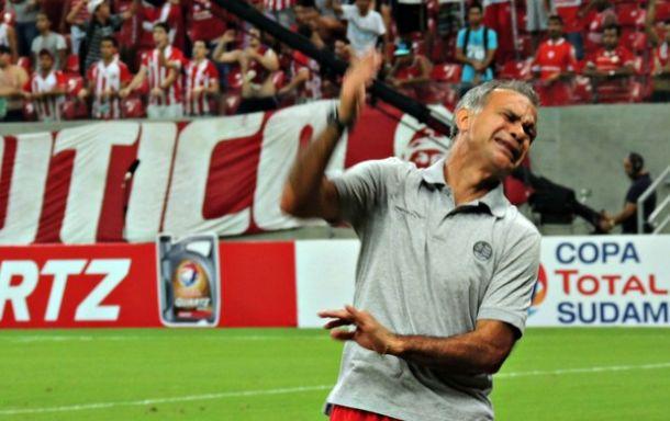 Jorginho pede demissão do Náutico e Levi Gomes é efetivado