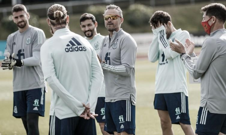 La selección española en un entrenamiento FOTO: @SeFutbol