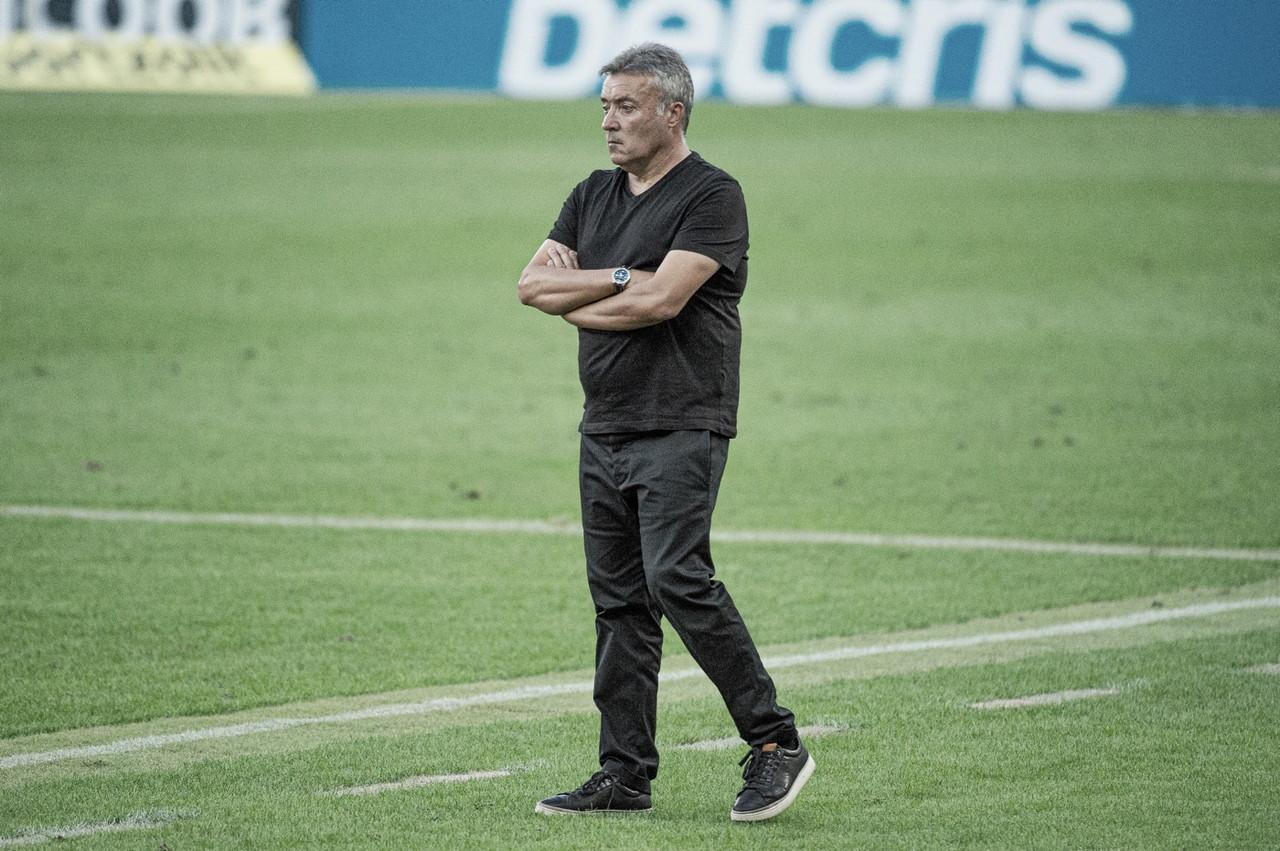 """""""Temos que criar muito mais"""", lamenta Torrent após estreia com derrota pelo Flamengo"""