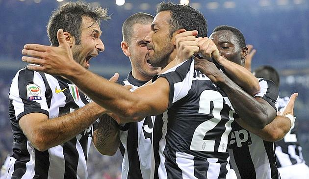 Sorrentino intenta frenar a la Juve pero Quagliarella lo impide