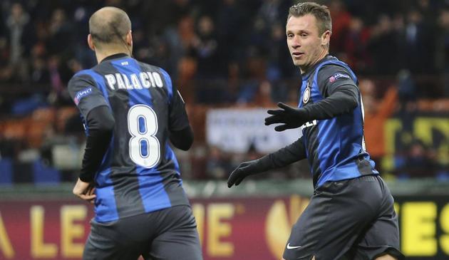 Inter leva jogo para a prorrogação, mas Tottenham avança às quartas da UEL