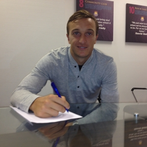 Mark Noble renueva su contrato con el West Ham