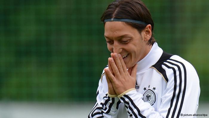 """Özil: """"Con Mourinho mejoraré mucho más"""""""