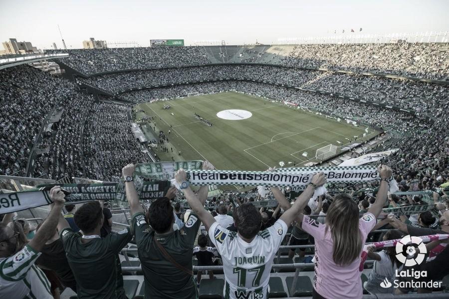 El Betis baraja renombrar el estadio debido a la crisis