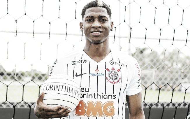 Corinthians confirma saída de atacante Yony González