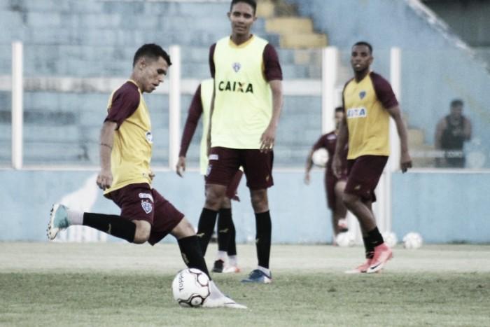 Fugindo da zona de rebaixamento, Paysandu recebe desesperado Figueirense no Curuzu