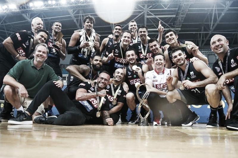 Franca derrota Flamengo em jogo equilibrado e fatura título inédito da Copa Super 8