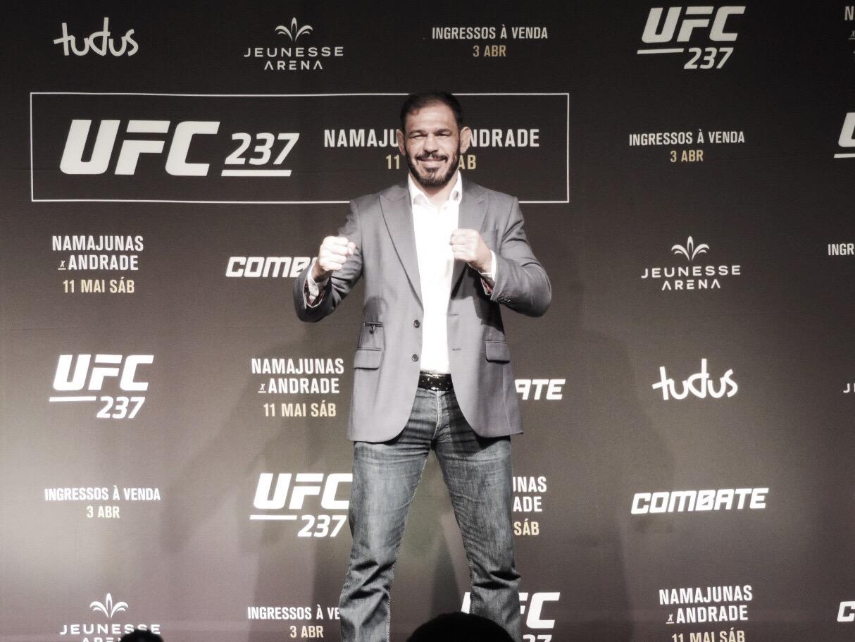 """Minotouro convoca torcida para UFC Rio e fala sobre preparação para luta: """"Período de sparring"""""""