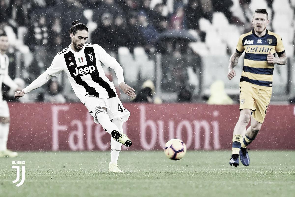Gervinho marca nos acréscimos e Parma empata com a Juventus fora de casa