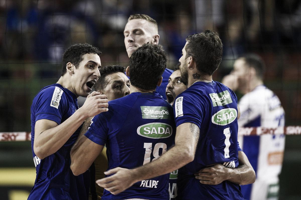 Em duelo de cinco sets, Sada Cruzeiro derrota Vôlei Renata e retoma liderança da Superliga