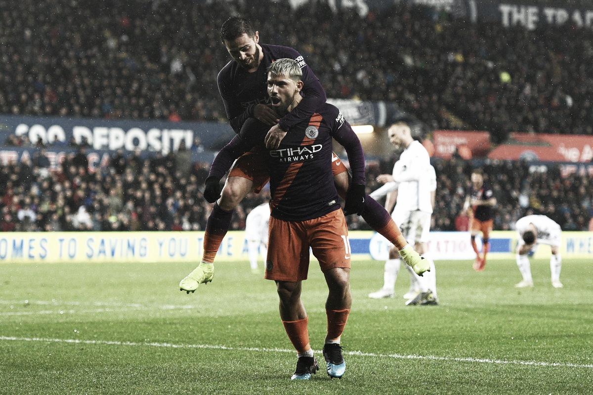 Swansea fica com um pé nas semifinais, mas City vira e garante classificação na FA Cup