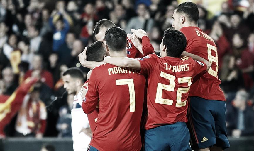 Sergio Ramos marca de pênalti e garante vitória da Espanha sobre Noruega