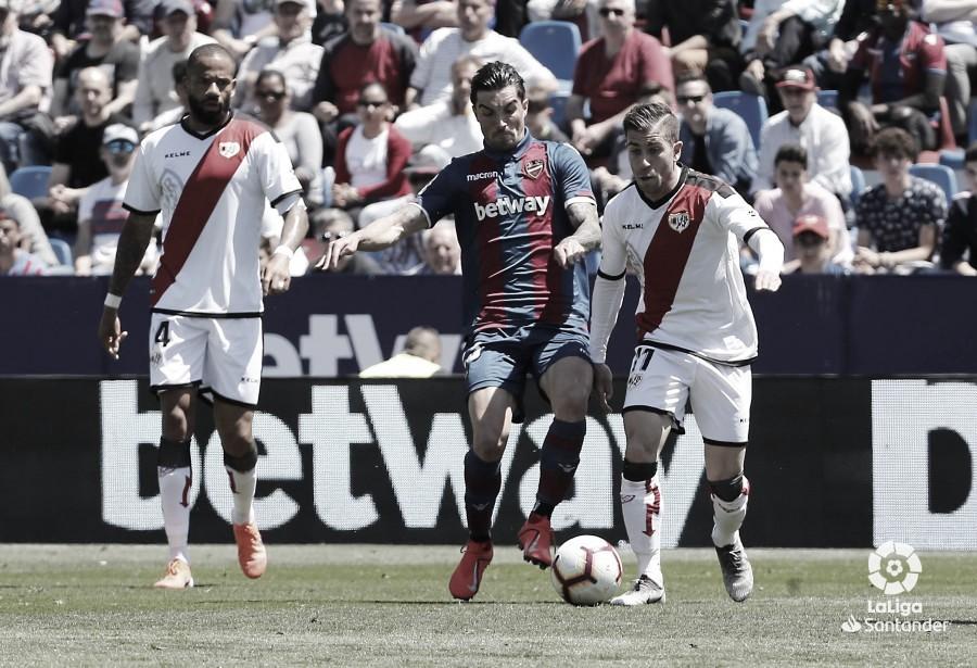 Embarba será ausencia en el último partido en Vallecas