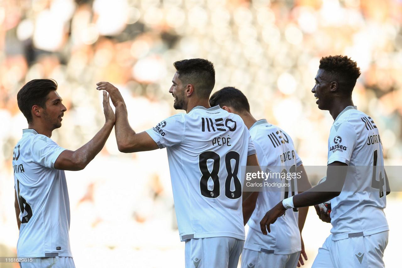 Vitória de Guimarães goleia rumo à Liga Europa