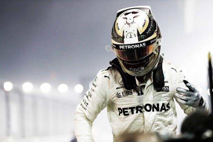 Hamilton aprovechó el caos y ganó en Singapur