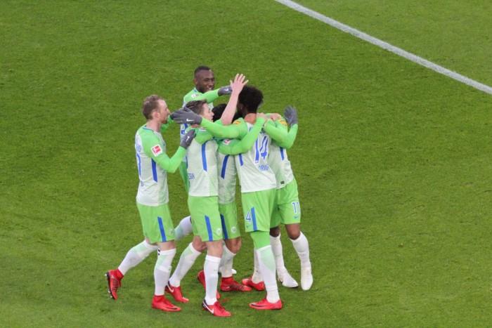 Bundesliga - Tre pareggi nelle gare del pomeriggio, lo Schalke perde all'ultimo